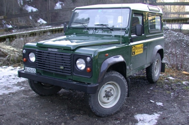 <strong>Personentransporter</strong><br>Landrover